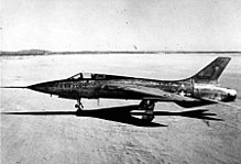 F-105A_(SN_54-0098,_the_first_of_two_prototypes)_060831-F-1234S-039